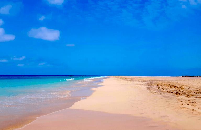 Where is Praia de Santa Maria ?