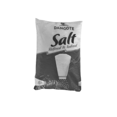 What's the main colour on a pack of Dangote's salt?